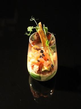 Verre élégance Tiramisu d'avocat et salade de crabe