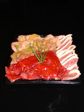 Plateau plancha marinée présenté (veau,boeuf,poulet,porc)